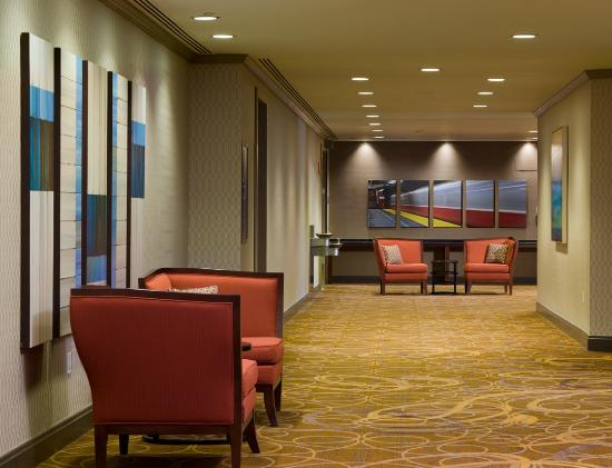 Sheraton Boston Hotel: Social Space - Beacon Complex
