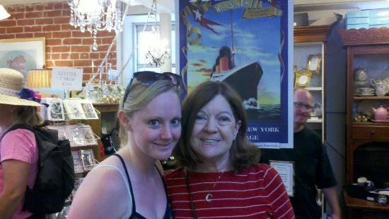 Molly Brown House Museum: My wife posing with Molly Brown's great granddaughter, Hellen.