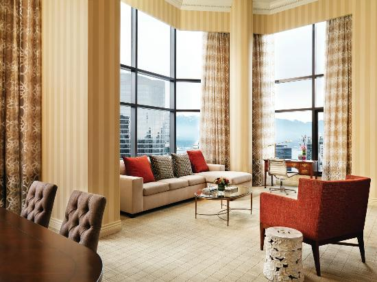Four Seasons Hotel Vancouver: Royal Suite Living Room