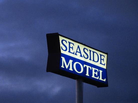 Seaside Motel: A beacon in the night.