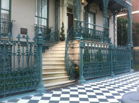 John Rutledge House Inn: Broad Street Entry