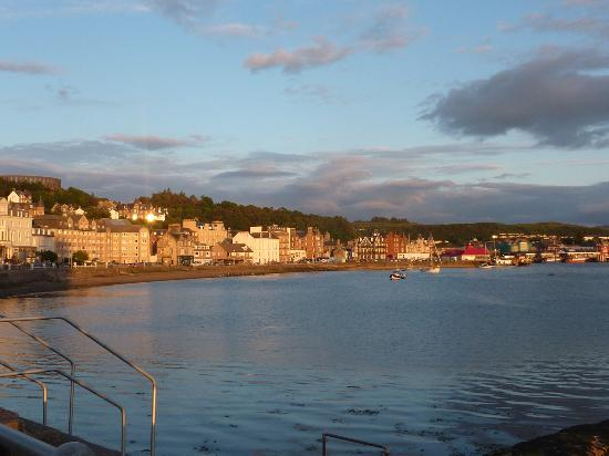 Muthu Alexandra Hotel: Sunset over Oban and view from room