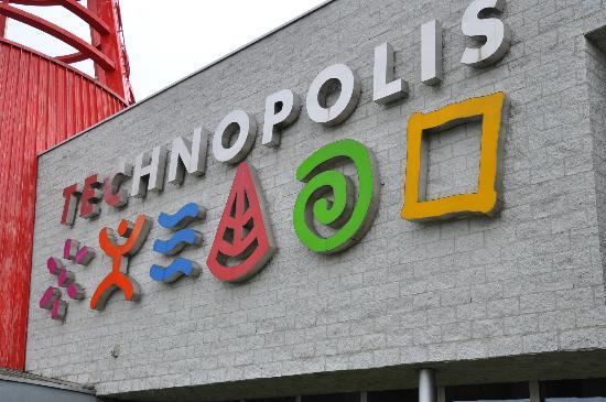 Technopolis : Esterno