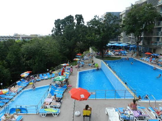 Hotel Slavey: 3 pools