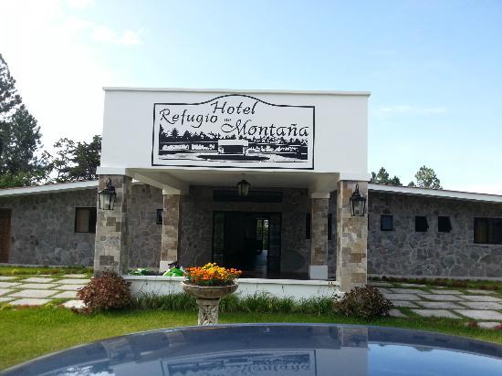 Hotel Refugio de Montana: fuera