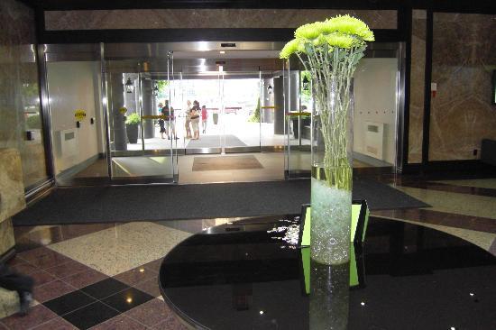 Delta Toronto East: lobby