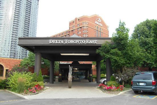 Delta Toronto East: Hotel Entrance