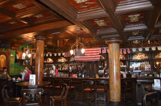 Skeffington Arms Hotel: Pub
