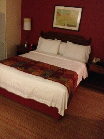 Residence Inn Charlotte Uptown: The beds are great!