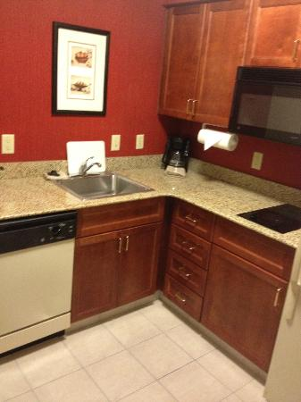 Residence Inn Charlotte Uptown: A Nice Kitchen