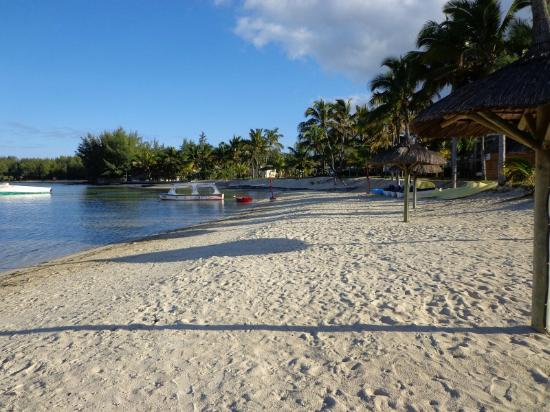 Jalsa Beach Hotel & Spa - Mauritius: The beauiful beach which goes on forever... !