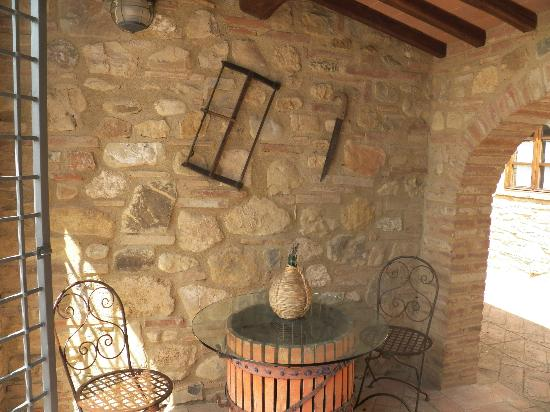 I Melograni del Chianti: A little sitting area