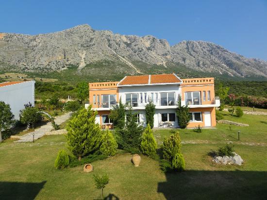 Thalassa Hotel & Spa Paleros: Vue du toit de notre bungalow