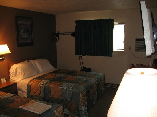 Americas Best Value Inn Torrington: Room