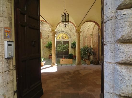Meuble il Riccio: The entryway
