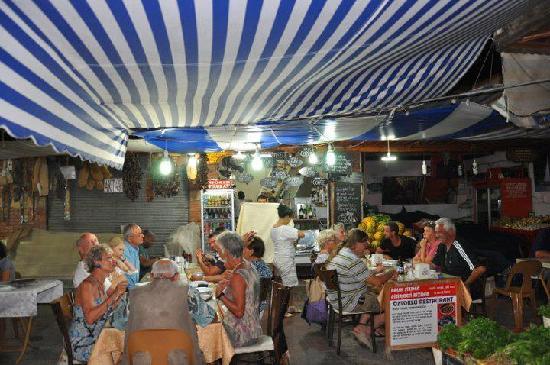 Oztoklu Restaurant: DİNNER TİME