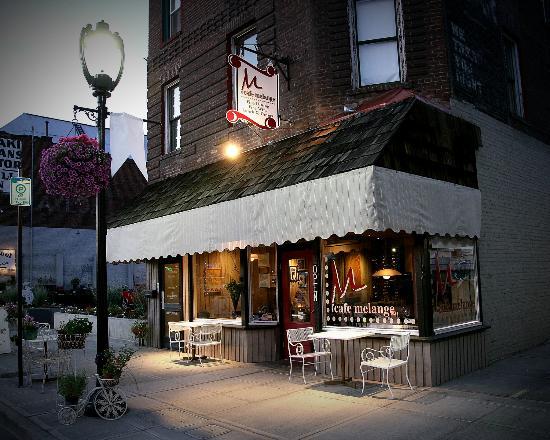 Cafe Melange: Front of restaurant