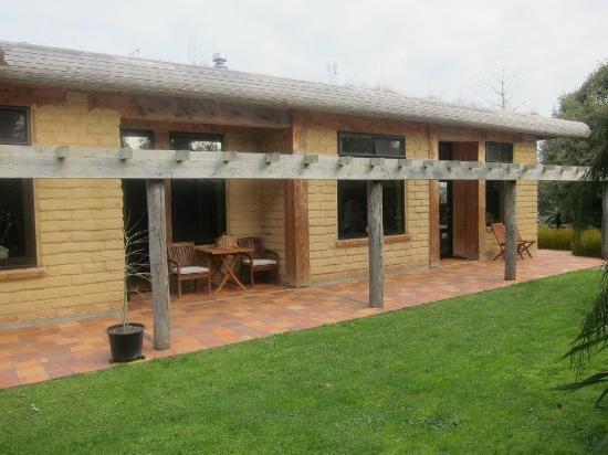 Earthstead Villas: Earth House