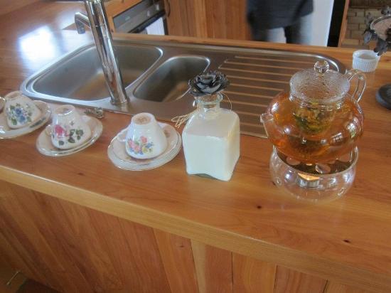 Earthstead Villas: Afternoon tea