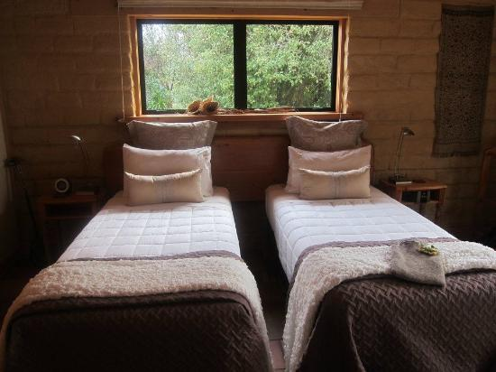 Earthstead Villas : Main Bedroom - Earth House