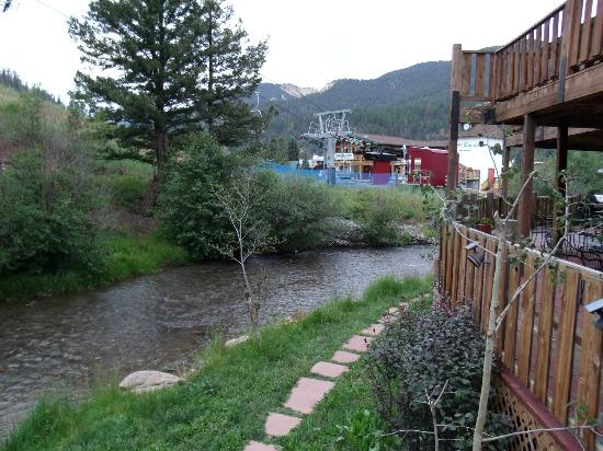 Best Western Rivers Edge: Looking down river from the deck.