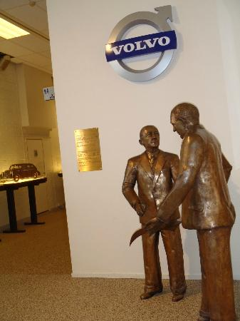Volvo Museum : I wonder if the short founder was taller when they both were seated.