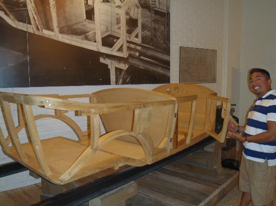 First Volvo Wooden Box Frame Foto Van Volvo Museum Göteborg