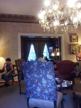 Foley House Inn: dining area