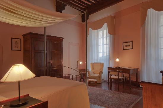 Hotel L'Antico Pozzo: room Dante