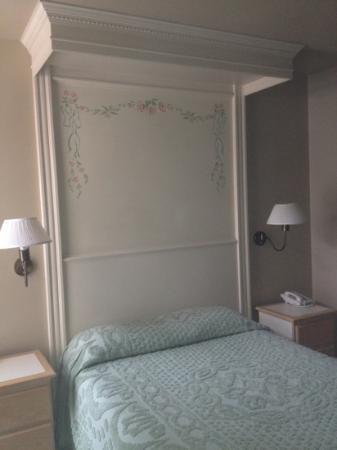 Bella Maggiore Inn: room 17.