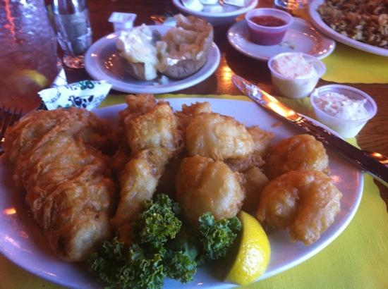Branding Iron Supper Club : seafood platter