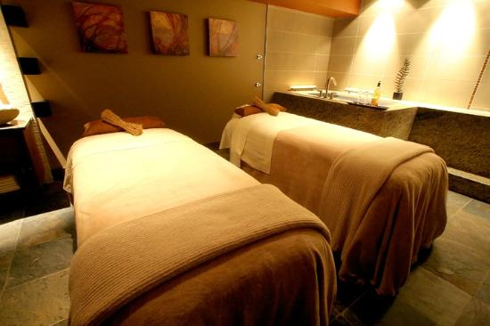 The Spa at Mt Hood: Couples Treatment Room - Imagine this sense of space/sense of place was created just for you.