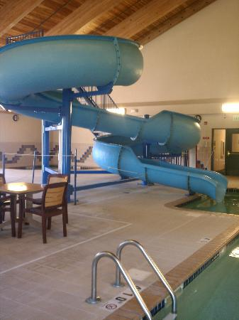 Country Inn & Suites By Carlson, Duluth North : 48 inches or taller