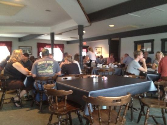 Village Restaurant: dining room