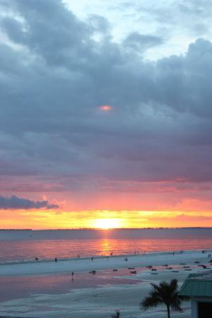 Gulfview Manor Resort : sun