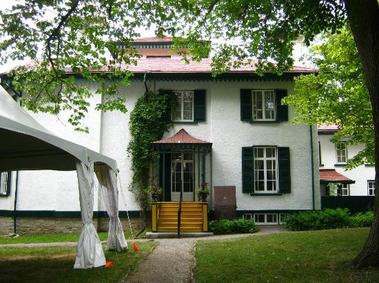 Bellevue House National Historic Site: Back door