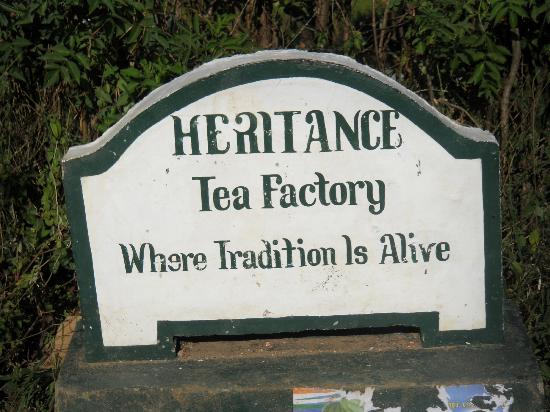 Heritance Tea Factory: Entrance at the hotel ground