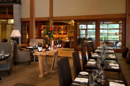 Copperleaf Restaurant at Cedarbrook Lodge: A peek into Copperleaf Bar demonstrates how the expansion and renovation added to its functional