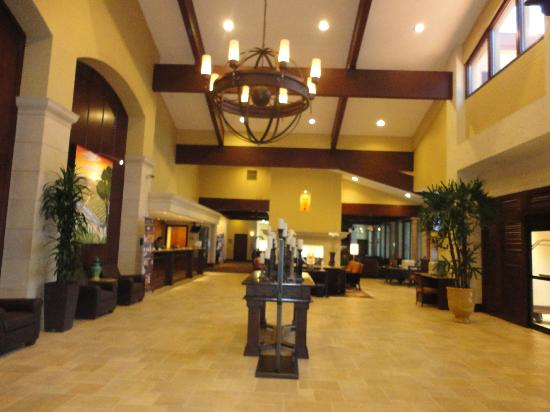 DoubleTree by Hilton Hotel Ontario Airport: front door