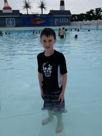 Calverton, NY: wave pool