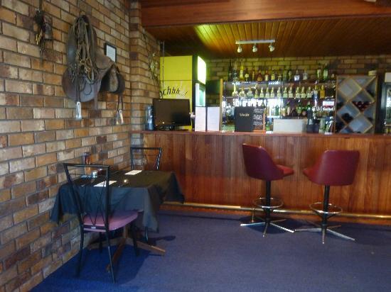High Street Motor Inn: Bar area of Dining room