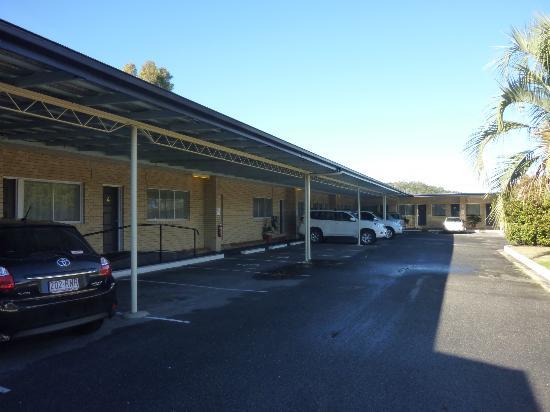 High Street Motor Inn: The rooms