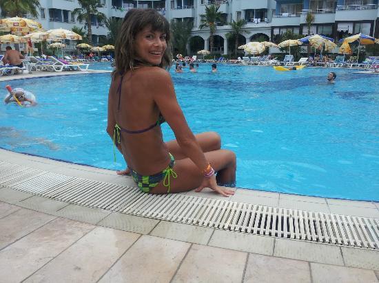 Senza Hotels Grand Santana Hotel: у бассейна