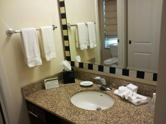 Residence Inn Columbus Downtown: Bathroom ... very clean