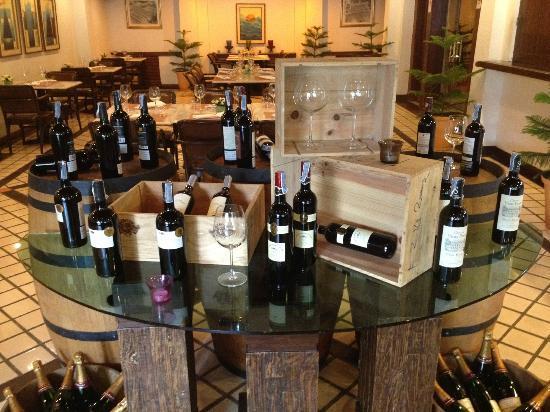 Le Bistrot at Suriwongse Hotel: Wine at Entrance