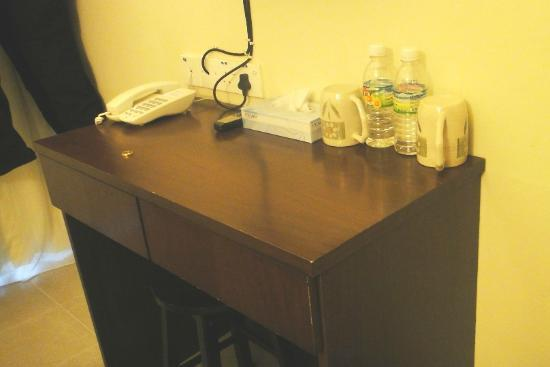 Hash House Hotel: the small table in the room