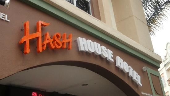 Hash House Hotel : entrance of hotel