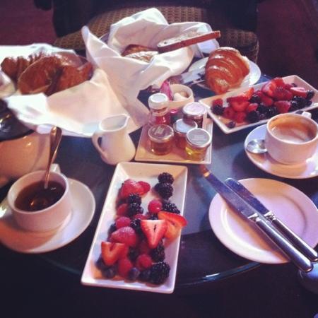 Chateau Marmont: petit déjeuner