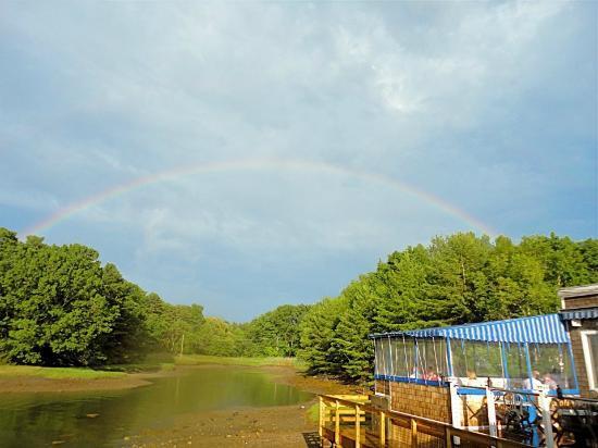 BG's Boathouse: rainbow!