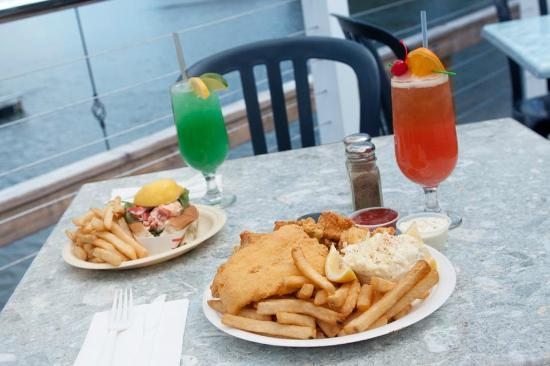 BG's Boathouse : yummy food and drinks!